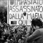 Letizia Battaglia, Qui è stato assassinato dalla mafia Giuseppe Impastato, giovane giornalista, militante, comunista, Cinisi, 1978