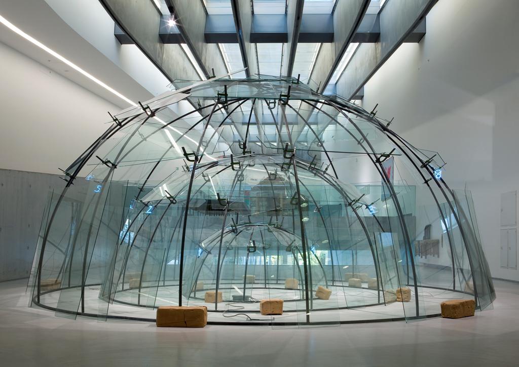 Mario Marz, Senza titolo (Triplo Igloo), 1984-2002. MAXXI Museo nazionale delle arti del XXI secolo, Roma. Foto Patrizia Tocci