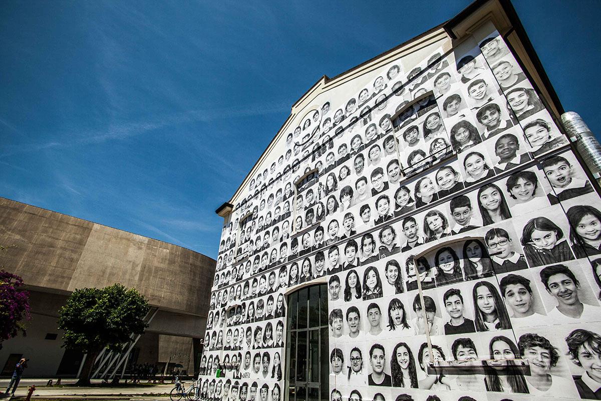 MAXXI, InsideOut Project by JR. Costruiamo la comunità del XXI secolo