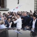 Simone Donati, Prato, maggio 2014. Il comizio di Matteo Renzi per la chiusura della campagna elettorale delle elezioni europee 2014. Matteo Renzi saluta i supporters alla fine del comizio, 2014